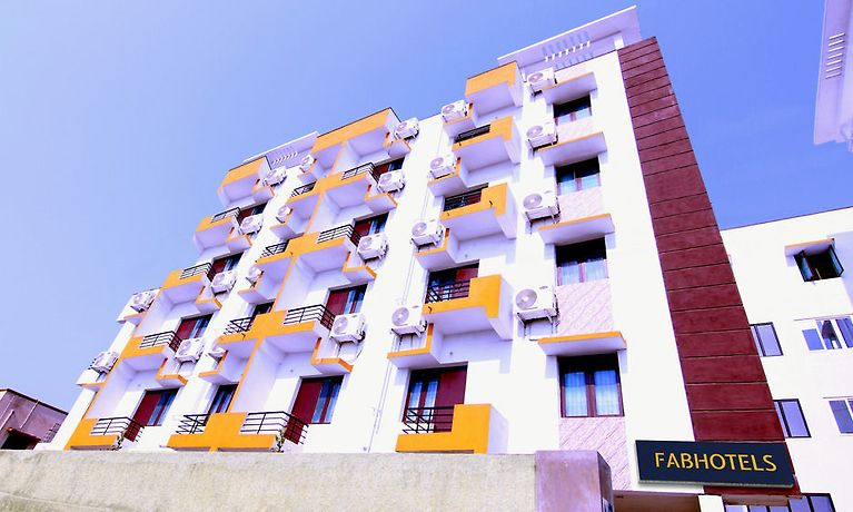 FABHOTEL OMR SHOLINGANULLUR, CHENNAI - Book in Advance and Save